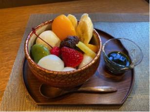 茶房きくちの喫茶メニューに季節のフルーツ白玉あんみつが新登場!
